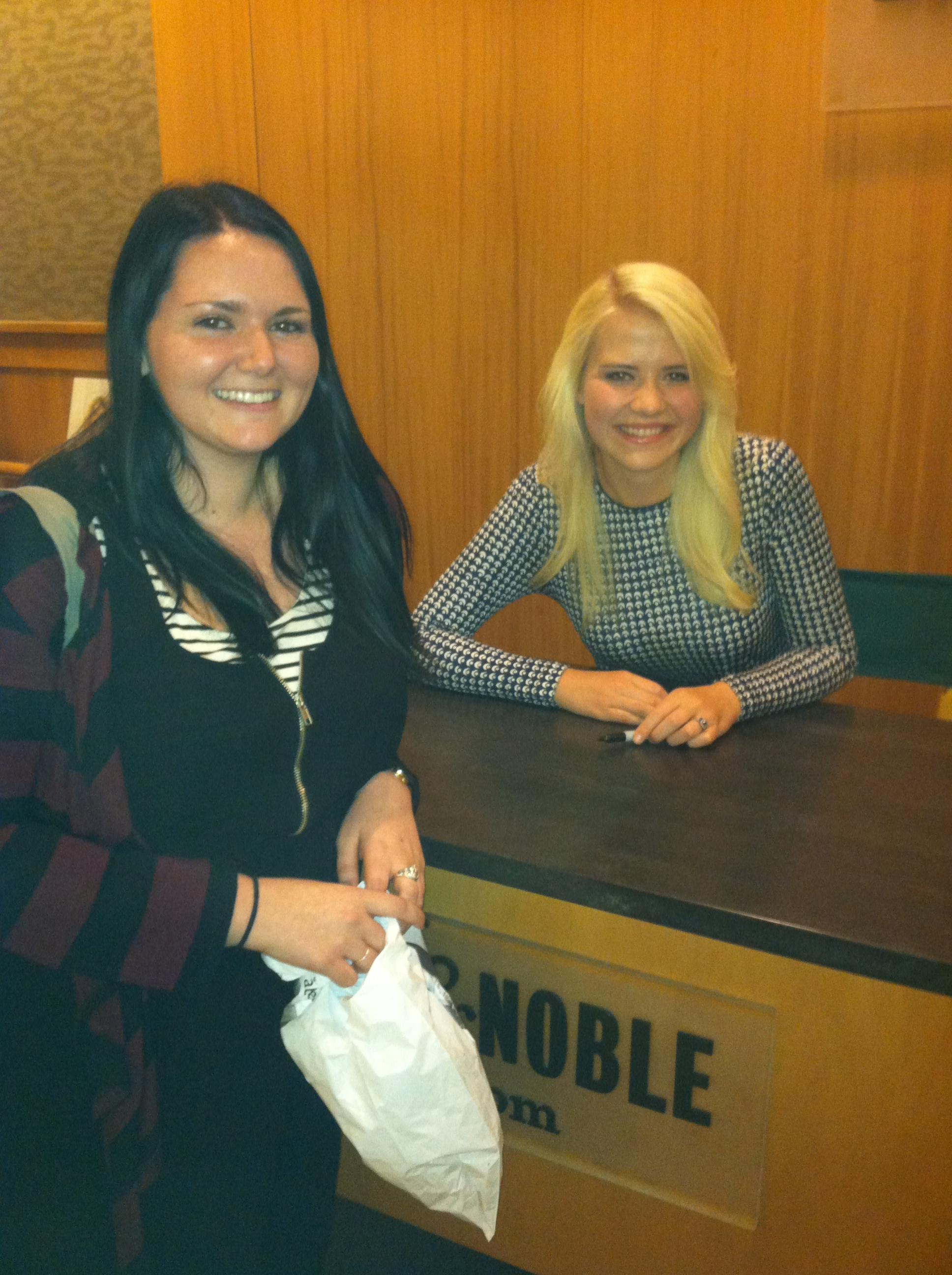 Elizabeth Smart Book Signing October 8, 2013022